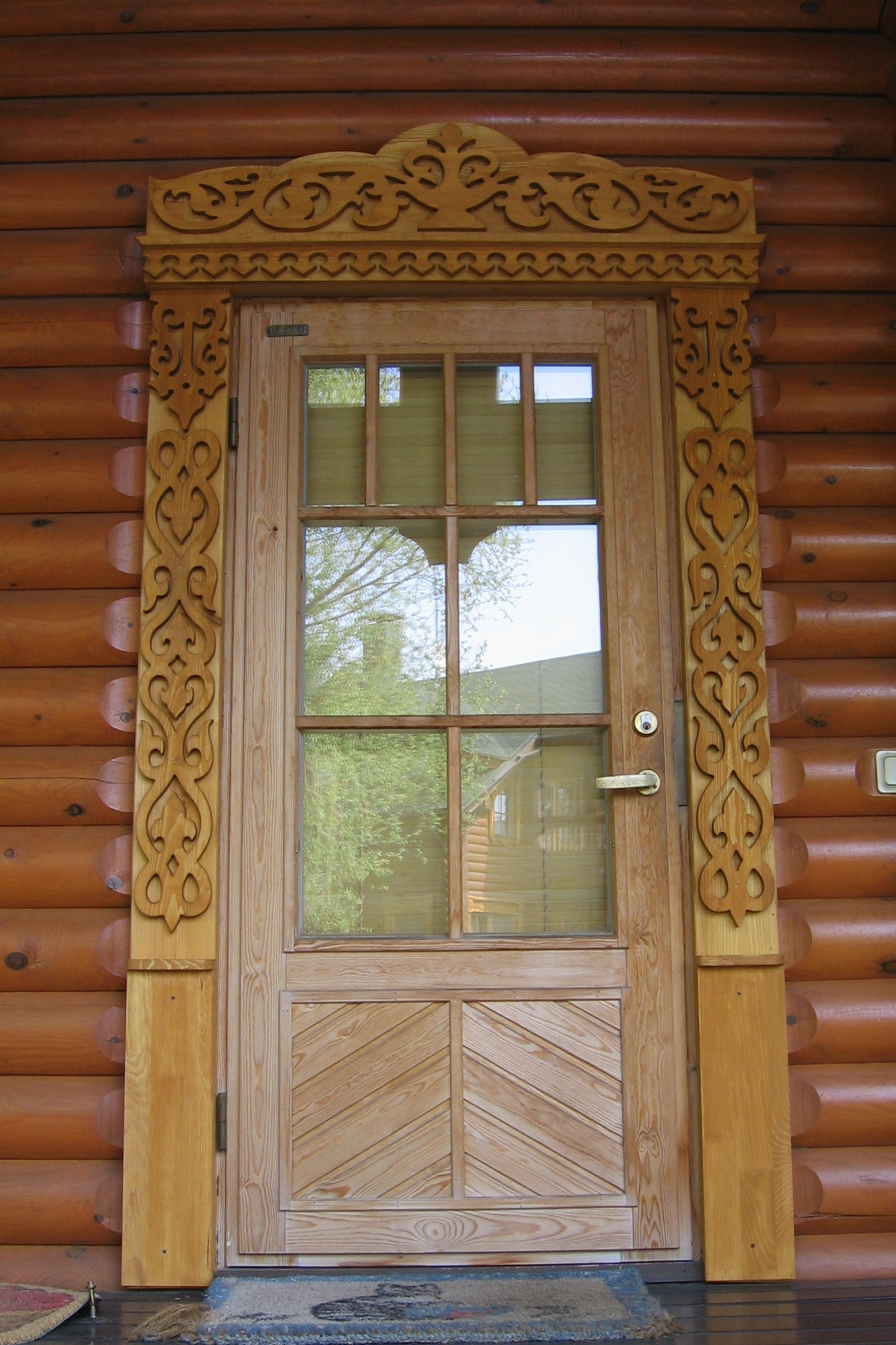 Резной наличник на дверь, орнамент дерево жизни