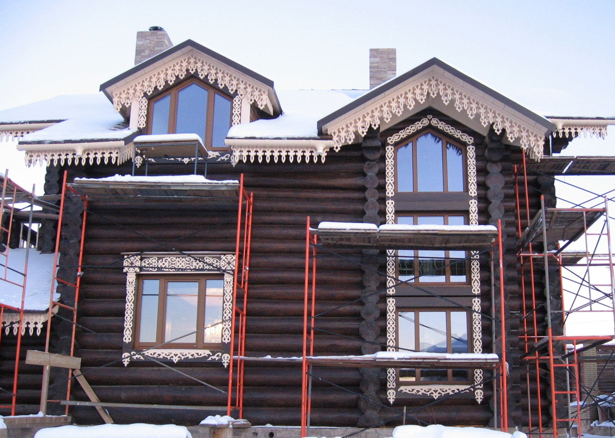 Изготовление и установка деревянного резного орнамента